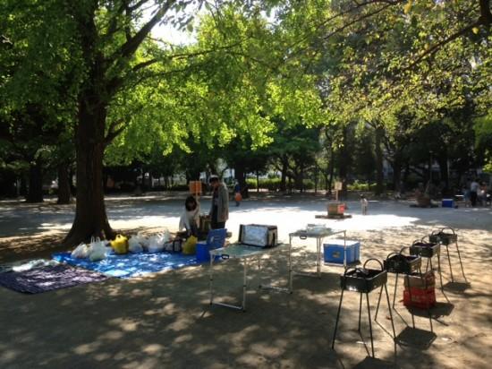 板橋区立平和公園 バーベキューの準備